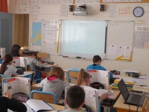 L'une des salles de classe équipée d'un TBI.